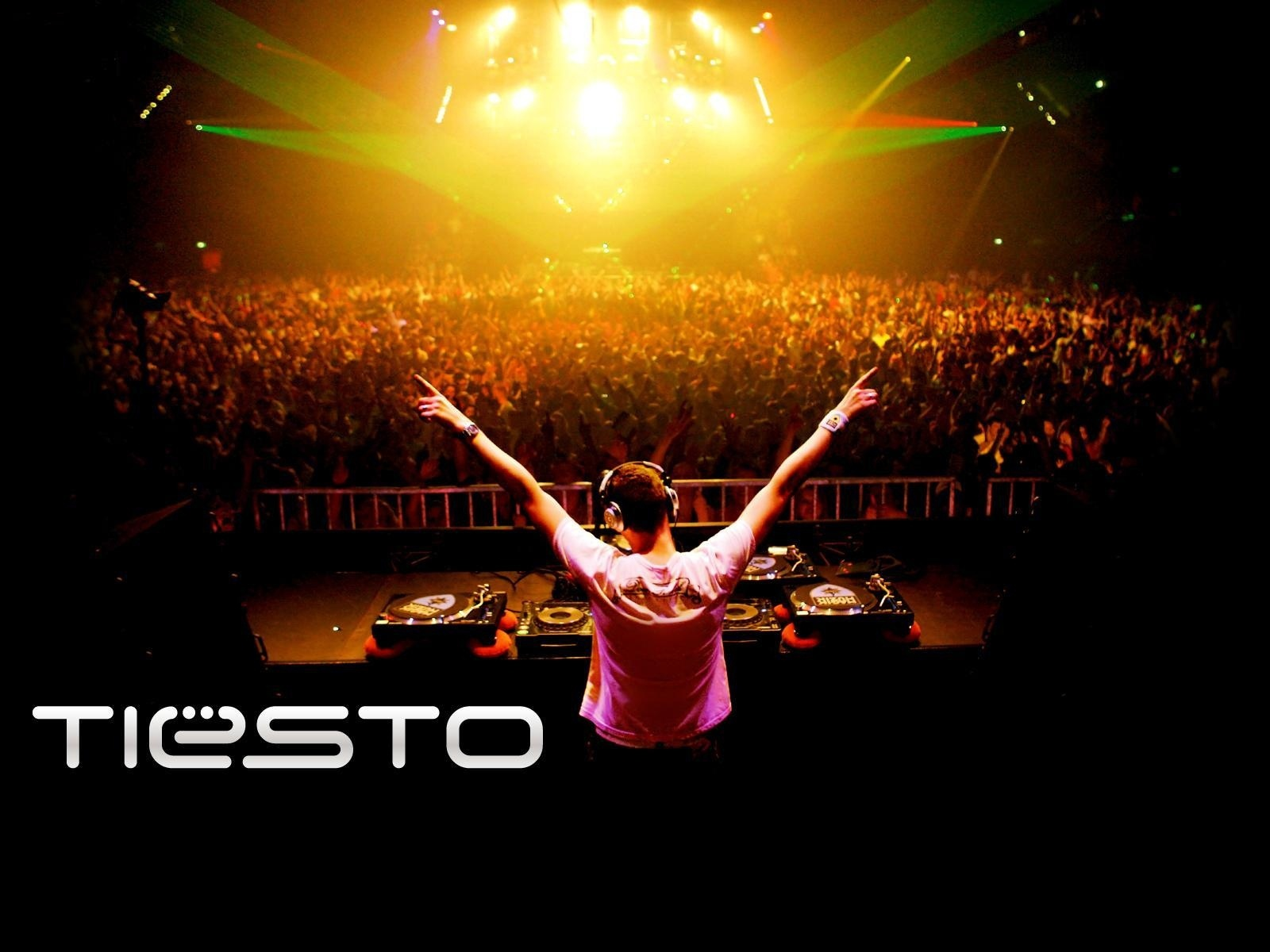 dj, tiesto,party,club,trance,люди , музыка , свет